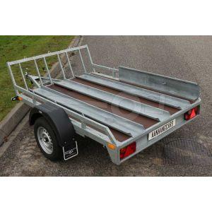 """Motortrailer voor 1 tot 3 motoren 220x157 (lxb bak), 750kg bruto  ( 560 netto) laadvloerhoogte 54cm, vlakke vloer met railing, banden 13"""", enkelas"""
