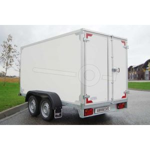 Tandemas gesloten aanhangwagen, Twins Trailers, afmeting 257x132x180 cm, bruto laadvermogen 2700kg, witte plywood wanden met 2 achterdeuren