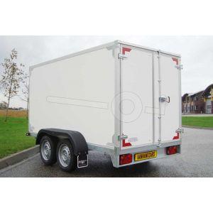 Twins Trailers ongeremde tandemas gesloten aanhangwagen met twee achterdeuren, merk Twins Trailers, afmeting 257x157x150 cm, bruto laadvermogen 2700kg.