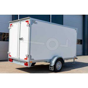 Enkelas gesloten aanhangwagen met twee achterdeuren, merk Twins Trailers, afmeting 307x157x150 cm, bruto laadvermogen 1350kg.
