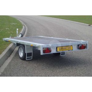 Vlakke enkelas plateauwagen Eduard 2615-3-PV-150-63 zonder borden, afmeting 260x150cm, bruto laadvermogen 1500kg en laadvloerhoogte 63cm