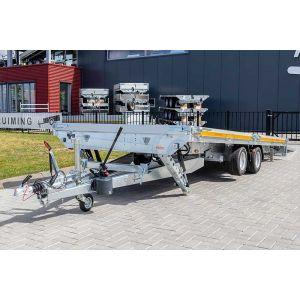 Eduard kantelbare autoambulance 506x200cm 3000kg laadvloerhoogte 56cm 5020-4-AOB10-300-J-56 met uitzetsteunen aan de voorzijde