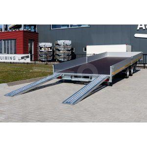 Gekantelde laadbak van de Eduard multitransporter 406x220cm bruto totaalgewicht 3000kg laadvloerhoogte 56cm 4022-4-AOB30-300-J-56 dragen bij aan een lage oprijhoek