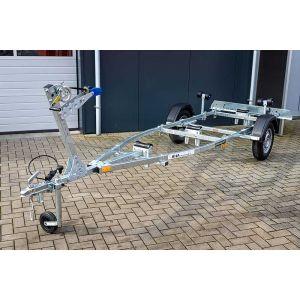 """Sportboottrailer basic 650-45 450x160 (lxb), bruto 650kg (475kg netto), met glijplanken pakket (ook voor schroefas), banden 13"""", enkelas"""