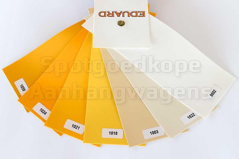 Leverbare gele, beige en witte kleuren van Eduard huiven